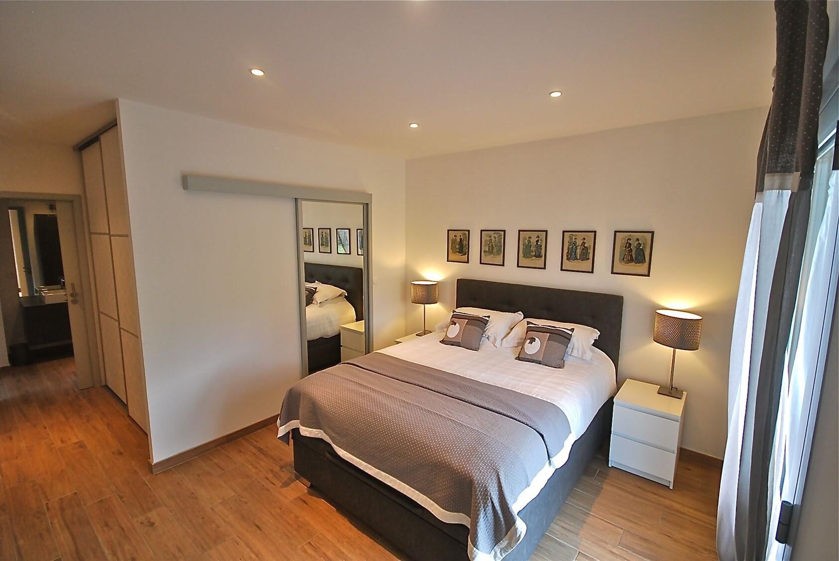Une chambre et son dressing très cosy à Lorient