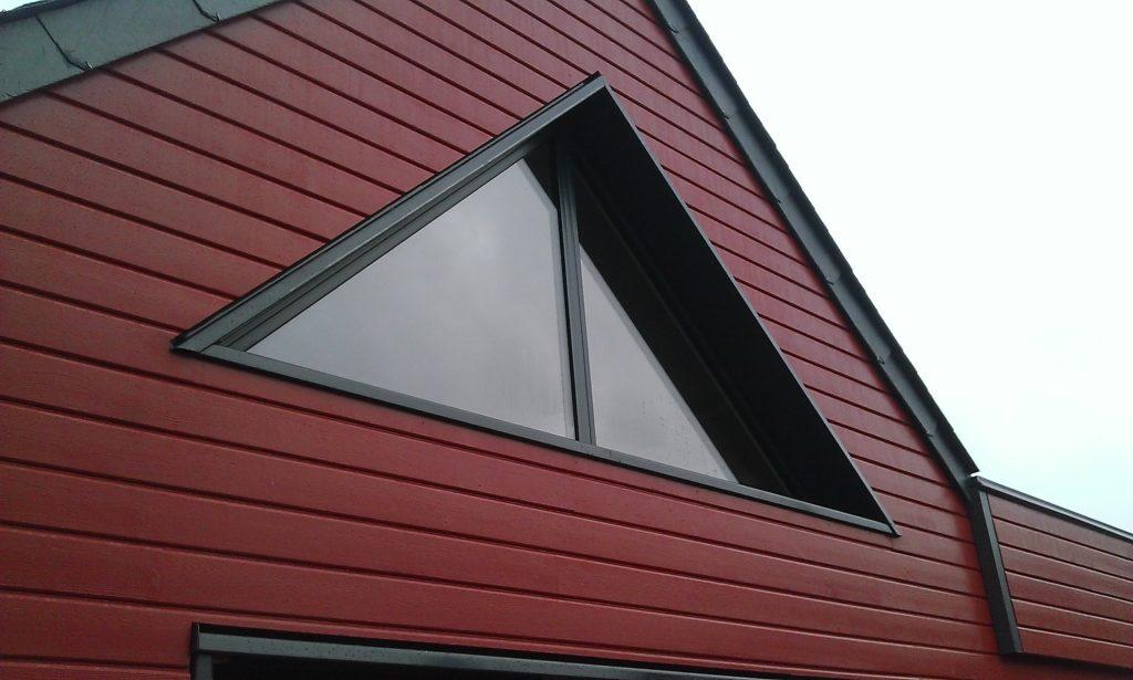 Menuiserie triangulaire extension ossature bois à Ploemeur