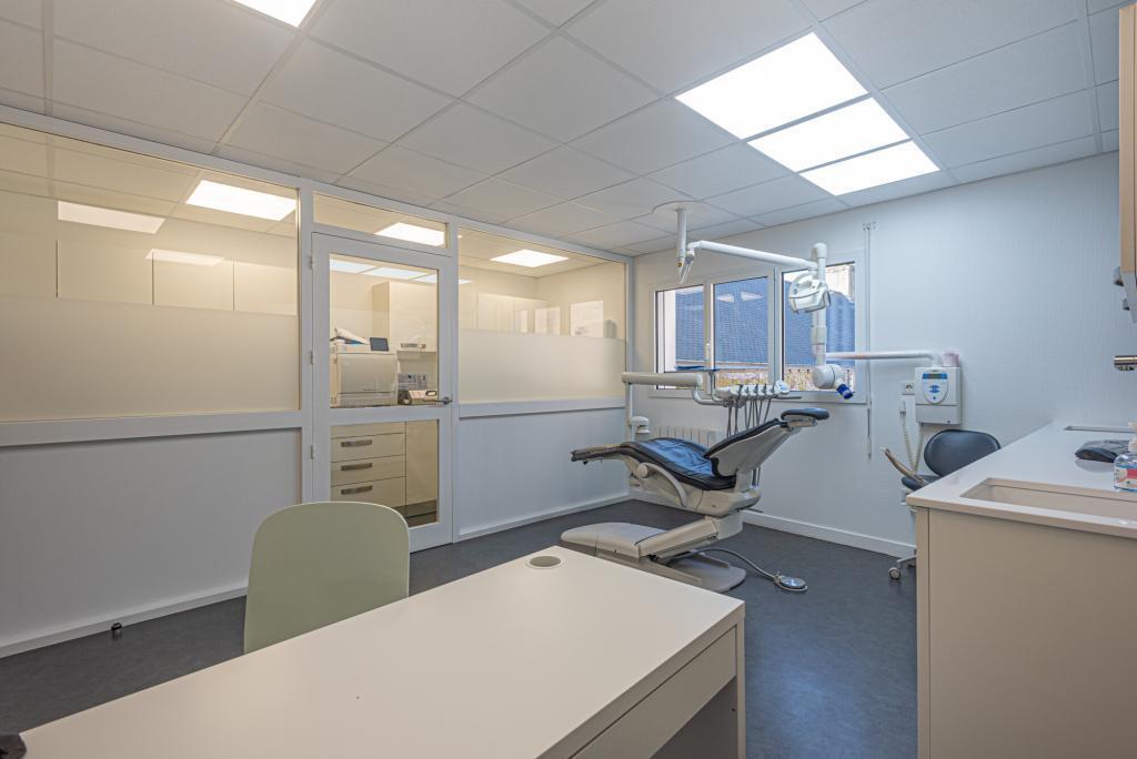 Cabinet dentaire et salle de stérélisation